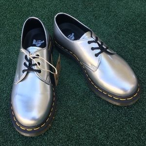 NWT Dr. Martens 1461 Vegan Leather Oxford Silver 8
